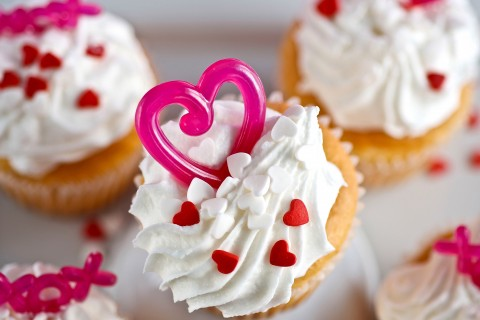 爱心奶油纸杯蛋糕