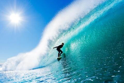 刺激的冲浪运动