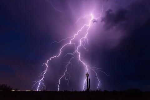 暴风雨来临的前奏