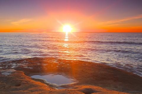 圣地亚哥大海上的日落