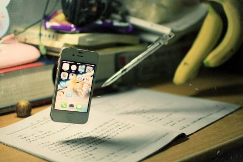 漂浮的手机