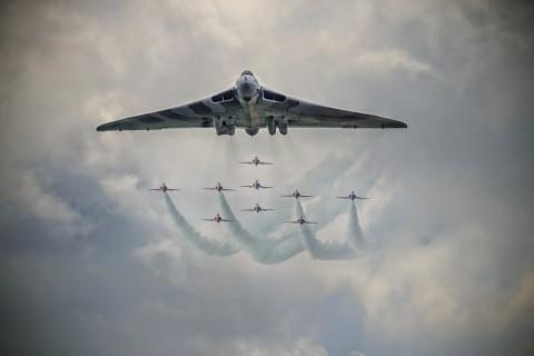 火神轰炸机战队