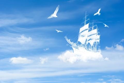 云朵上的帆船
