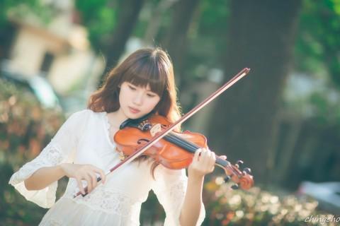 小提琴女孩