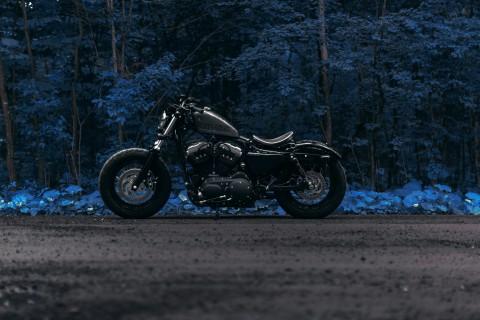 灰色哈雷摩托车