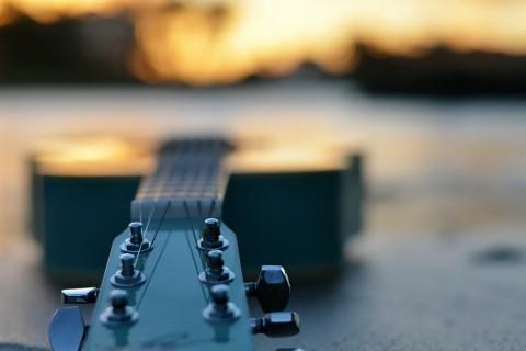 被遗弃的吉他