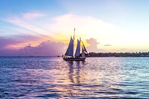 远行的帆船