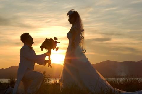 夕阳下的求婚