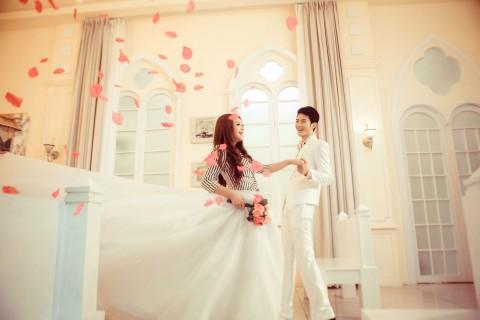 共同步入婚礼的殿堂