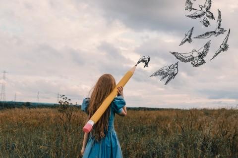 画出希望的羽翼