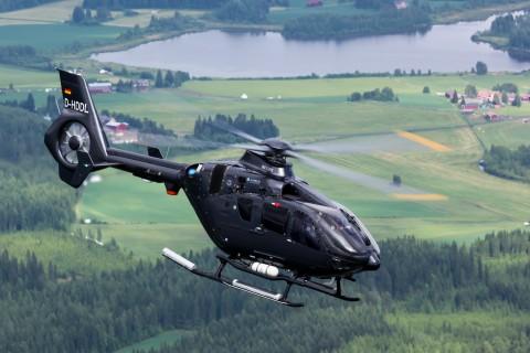 EC135直升机