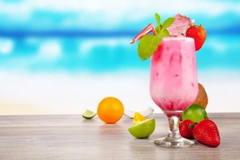 冰爽草莓奶昔