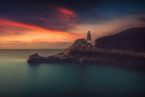 美丽的海边灯塔