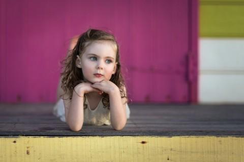 单纯可爱的欧美小女孩