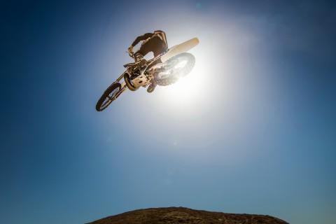 惊险的摩托车空中特技