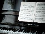 钢琴弹奏曲