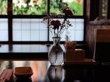 餐厅里的唯美插花