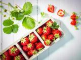 盒子里的新鲜草莓