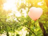 粉色爱心气球