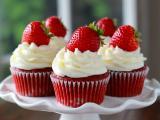 精致的草莓小甜点